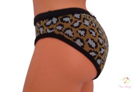 Period panties for moderate flow, with brown knitted pattern