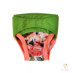 Hibrid cloth diaper with roses pattern