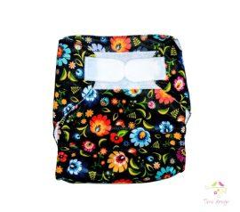 Folk - fekete alapon színes virágos - mosható pelenka külső (dupla PUL))