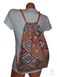 Bagpack with aztec pattern